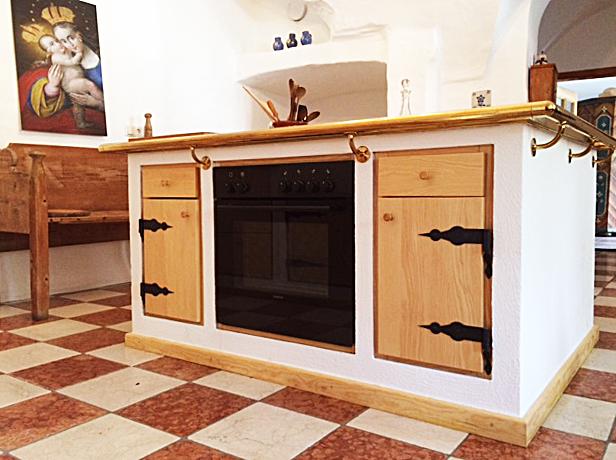 Kücheninsel mit Backrohr