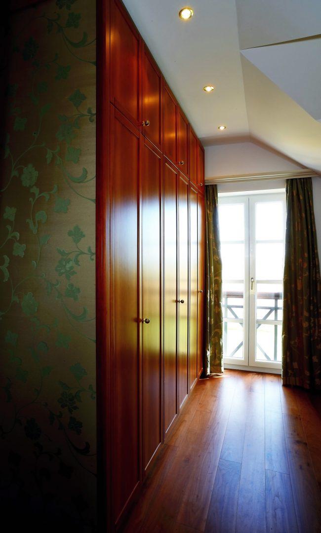 Kleiderschrank für Schlafzimmer